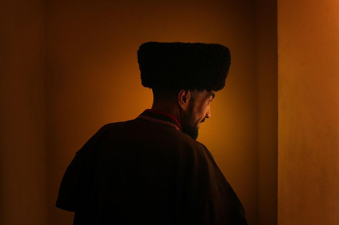 A Turkmen mullah with his traditional hat made of Astrakhan fur /  Mollah turkmen coiffé d'une toque traditionnelle en laine d'Astrakhan | TURKMENISTAN