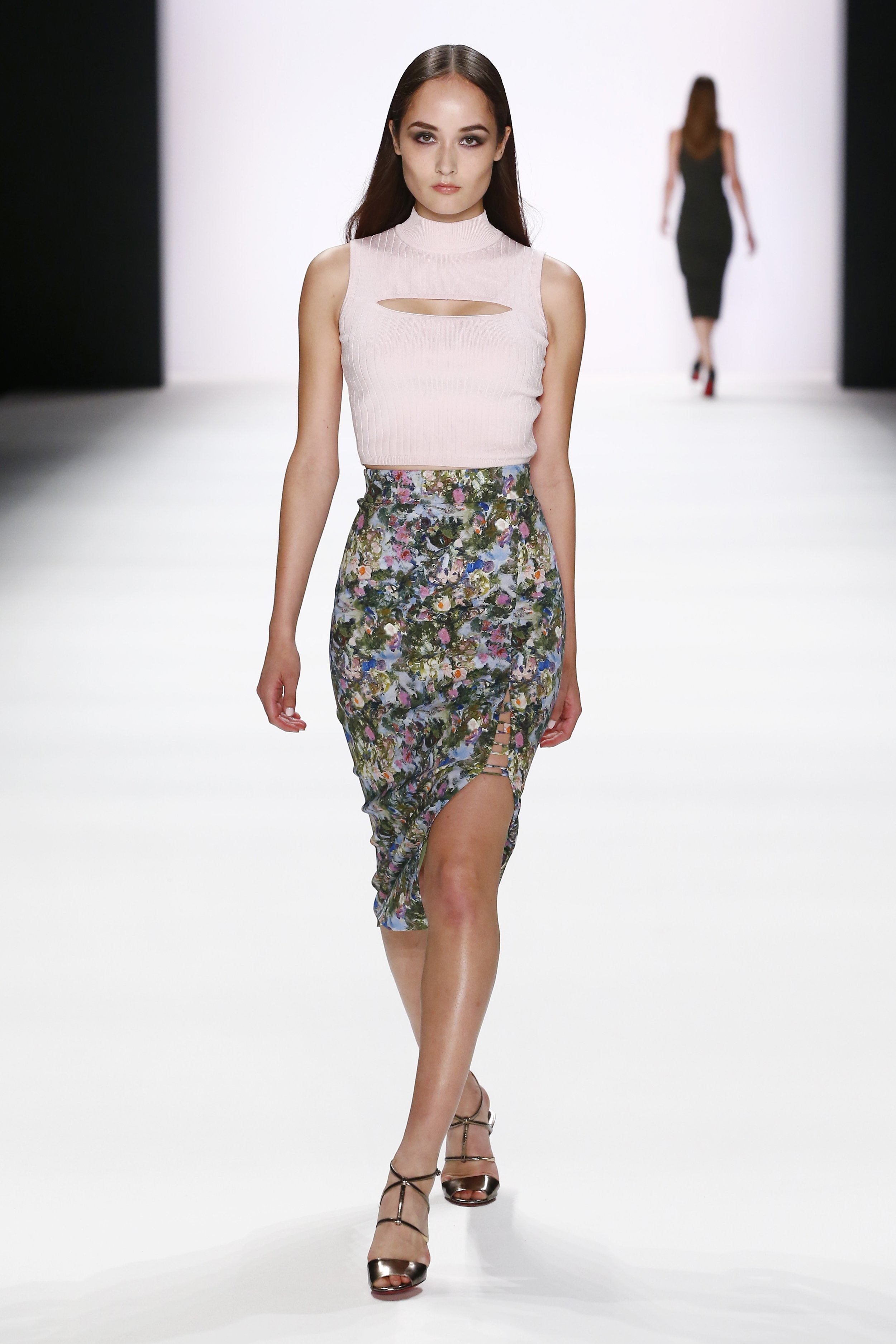 ss-2017_fashion-week-berlin_DE_0010_cushnie-et-ochs_66982.jpg