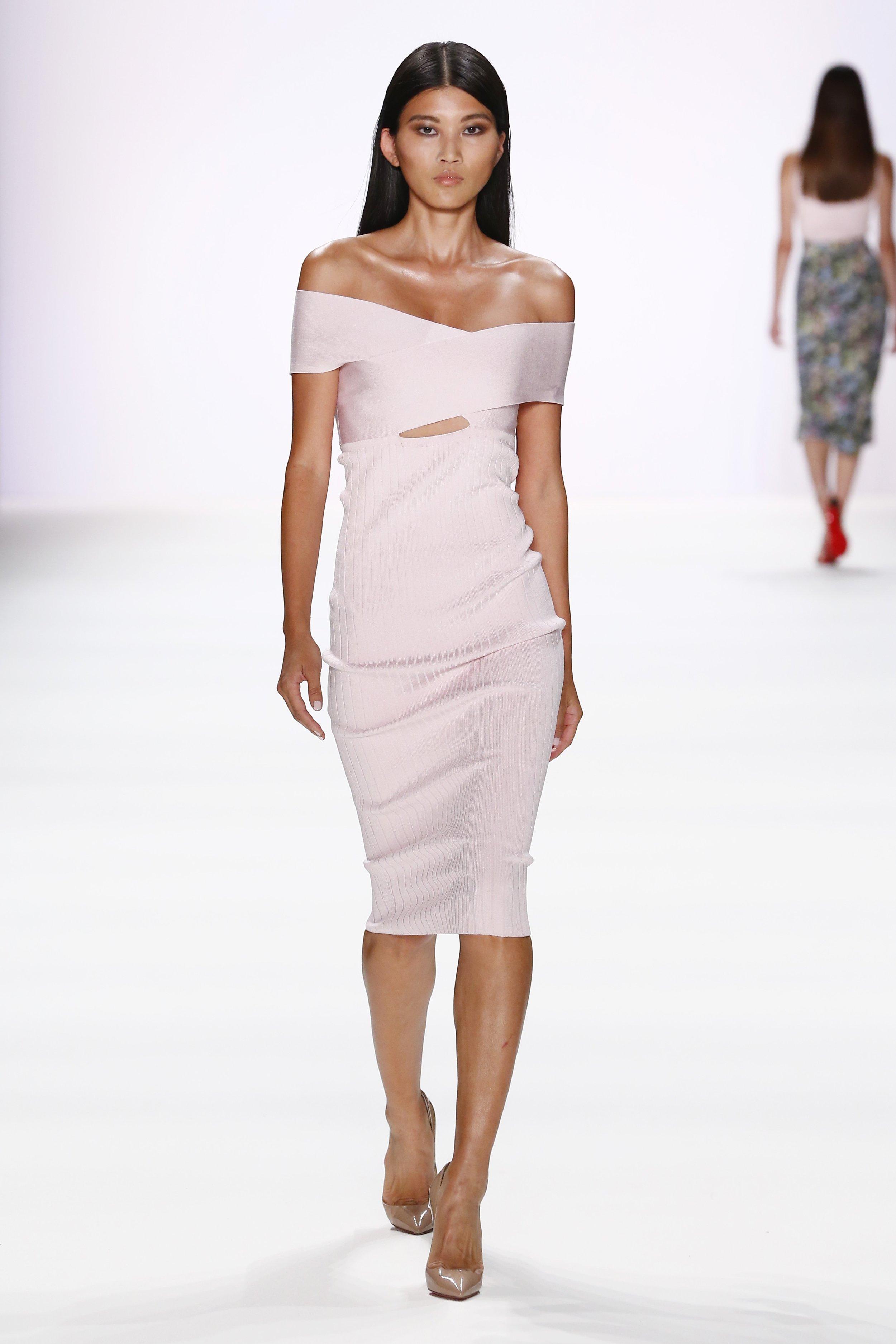 ss-2017_fashion-week-berlin_DE_0011_cushnie-et-ochs_66981.jpg