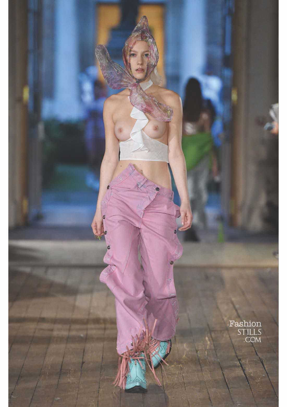 Neith Nyer_1513681575_5b_look-book-_-press-release-ss18-neith-nyer-006.jpg