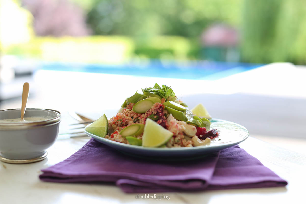 The summer is here and we can finally eat outdoors again, so here's a great, light and healthy recipe for summer days: