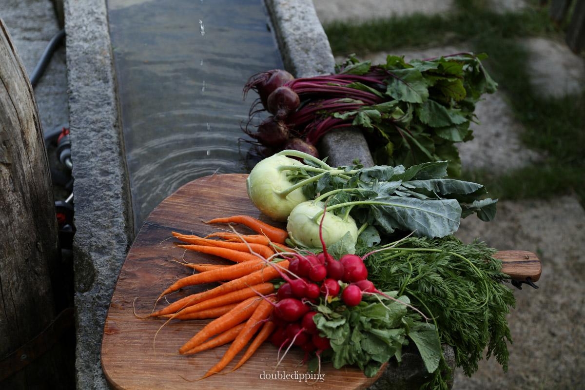 Gemüse am Brunnen