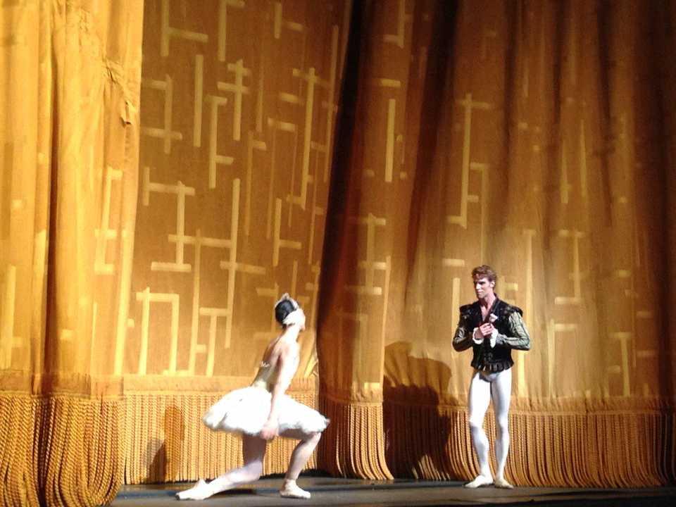 James Whiteside & Paloma Herrera in Swan Lake .