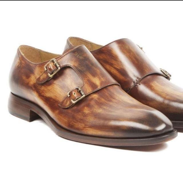 Hand burnished shoes made to order.  #perthfashion #perthisok #igperth #perthwedding #perthweddings #fashionstyle #luxury #perthdesigner #perthluxury #perthstyle #menswear #suitup #handmade #suit #dandy #sartorial #bespoke #perthtailor