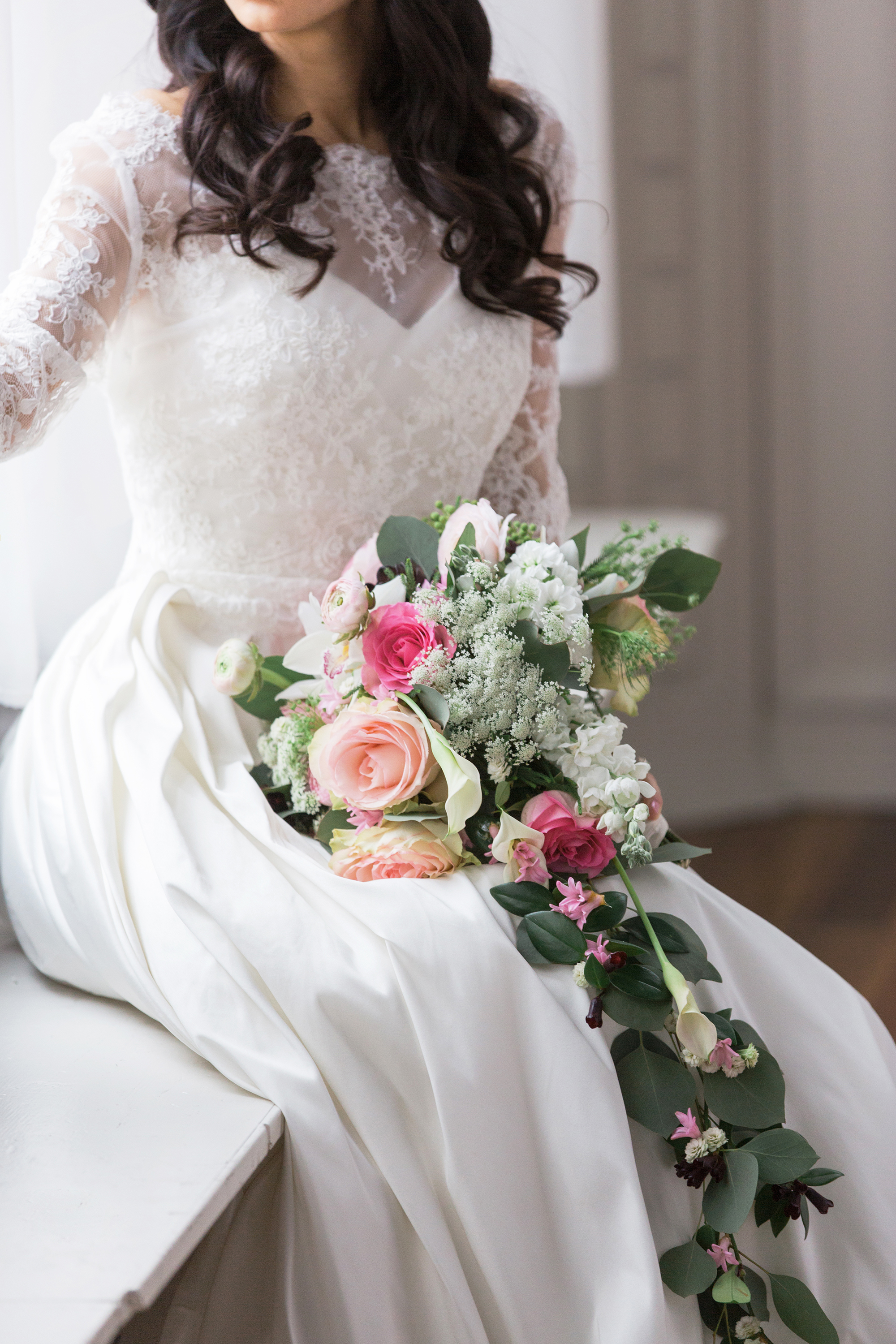 Rosy_Marsala_Lace_Wedding_Styled_Shoot_LPhotographie_0074_5130.jpg