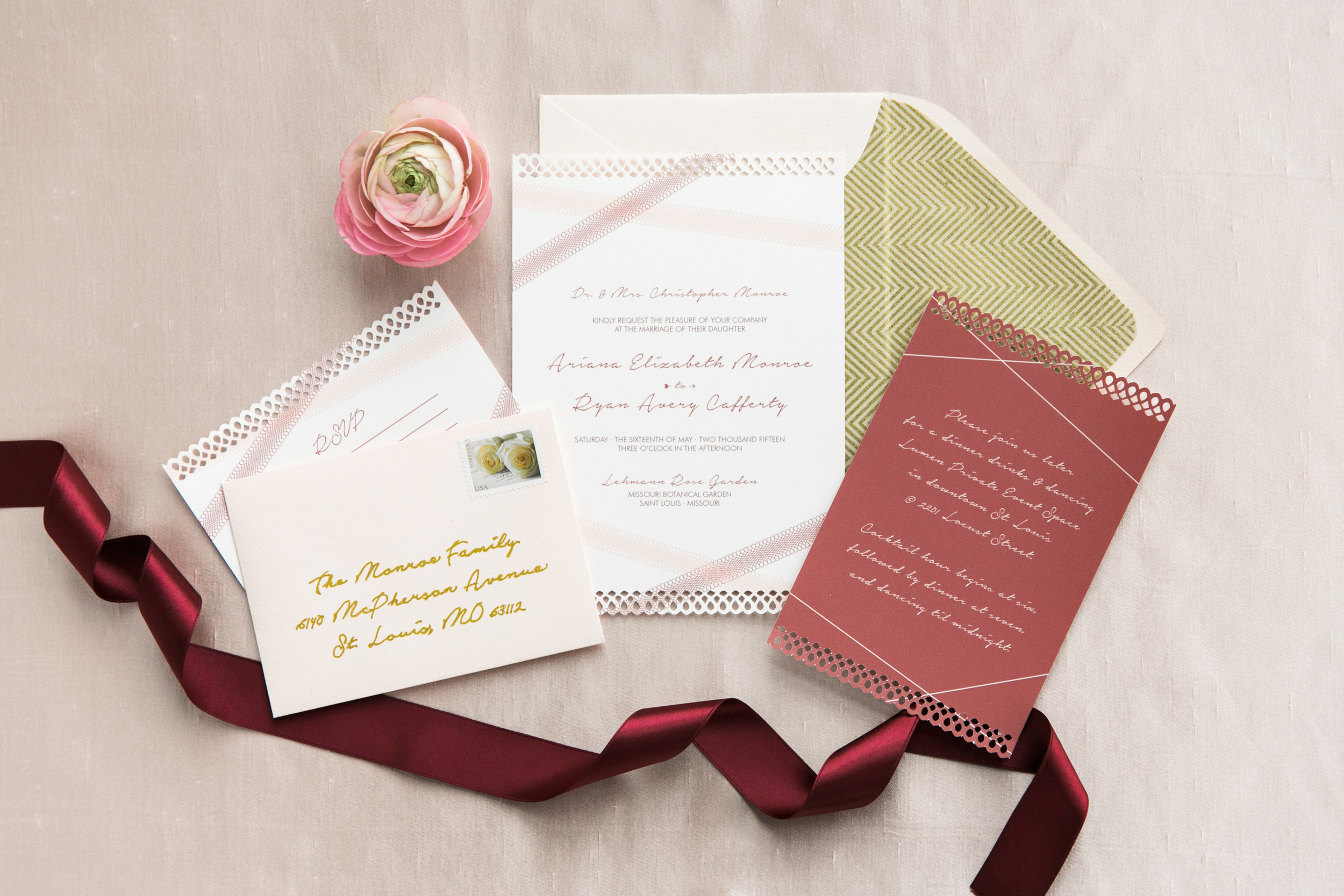 Photo by L Photographie | Stationary by Pretty Together | Floral by Stems