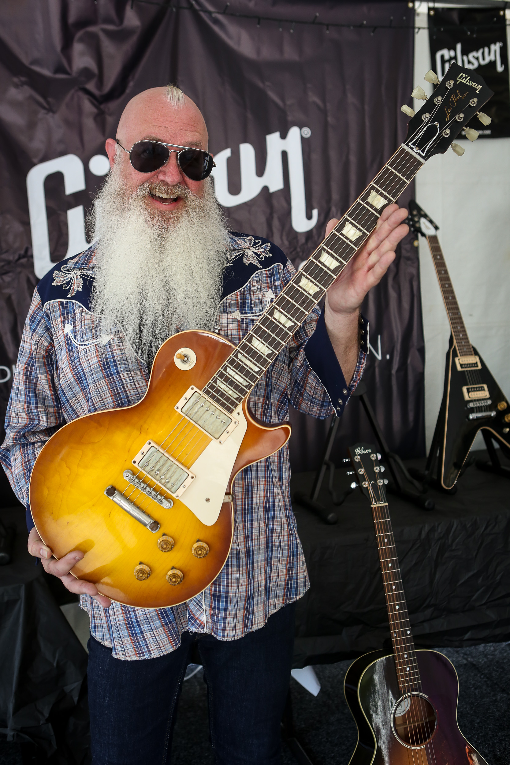 dave catching (eagles of death metal), backstage in the gibson tent