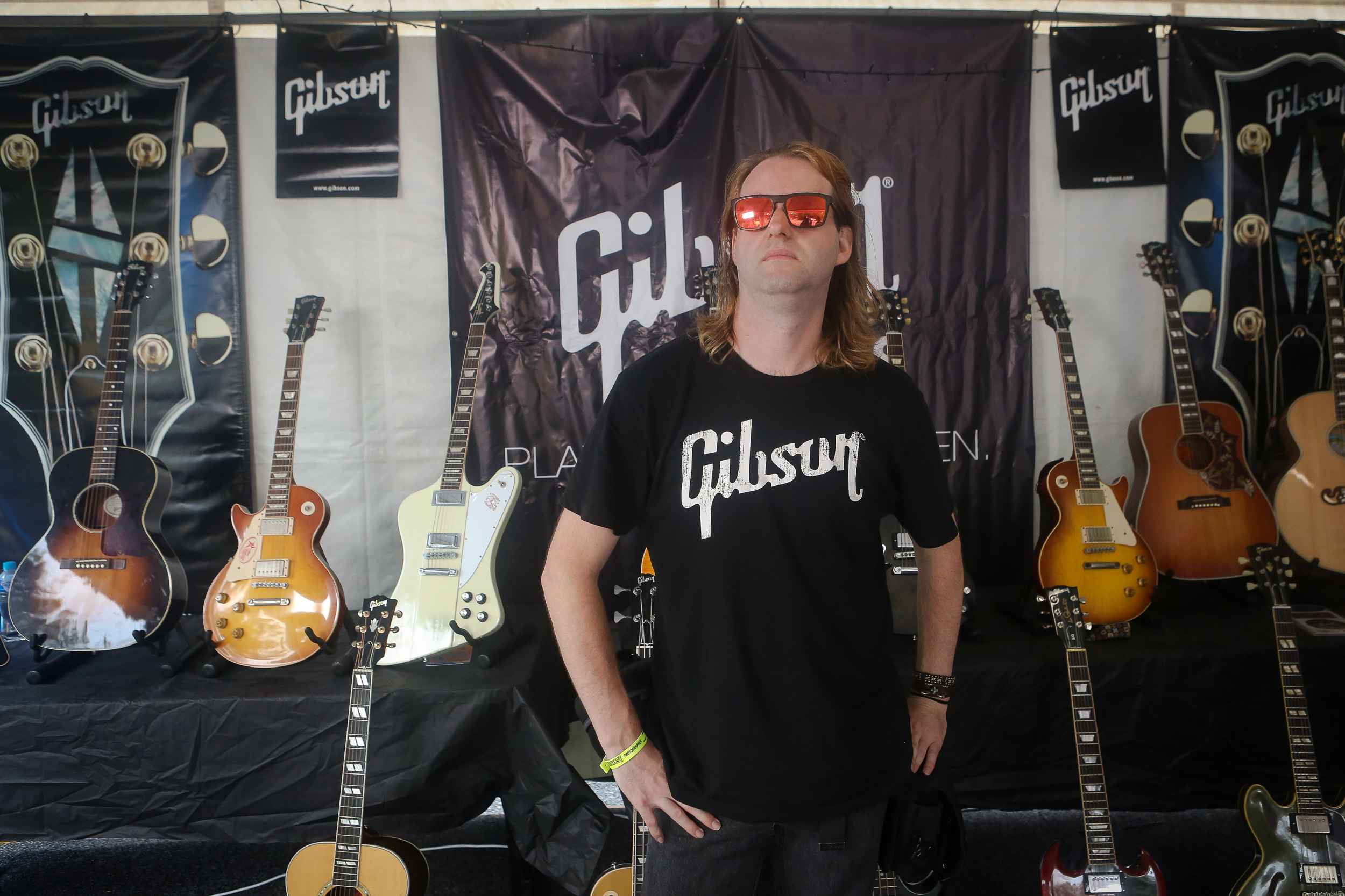 damien stacey, backstage in the gibson tent