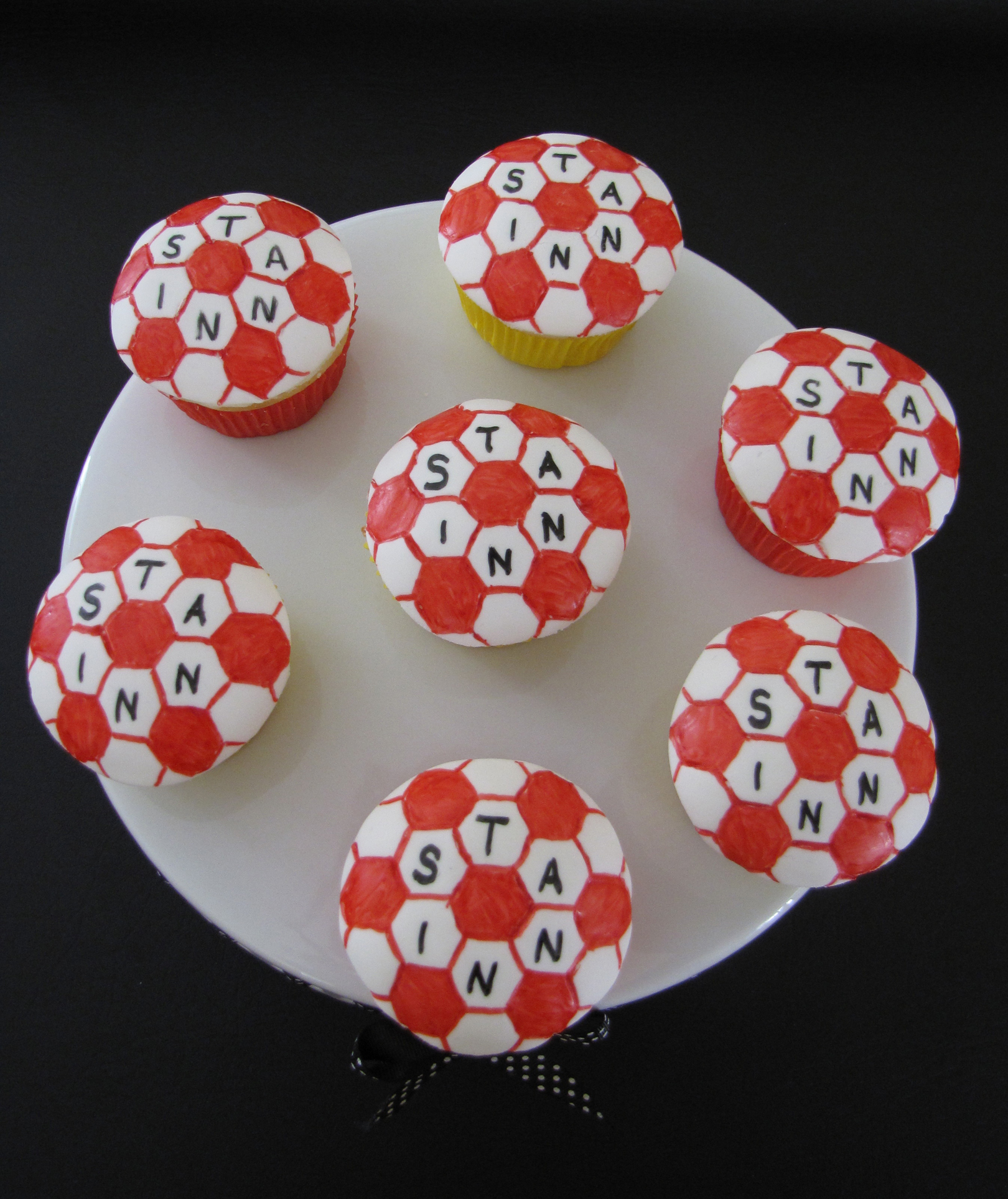 Soccerball Cupcakes