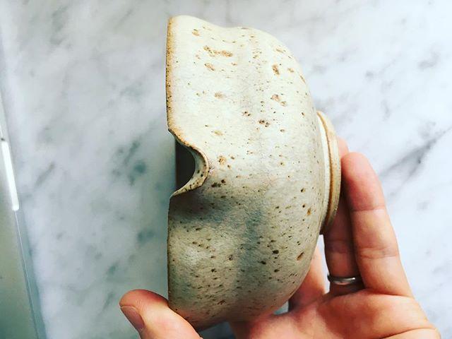 Just nu på gång! Vi kommer snart att sälja original teskålar för matcha. Begränsat antal på 10 st. Försäljningen börjar i slutet av mars. Porslinet är tillverkat i Gustavsbergs porslinsfabrik atelier. Hantverk av @rikardpalmquist