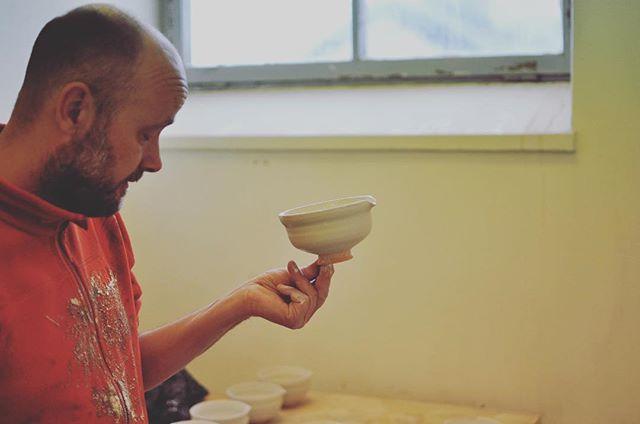 Dagens Rikard👐🏻 #sweden #gustavsberg #keramik #ceramics #matcha #器 #陶器 #茶器 #抹茶 #スウェーデン