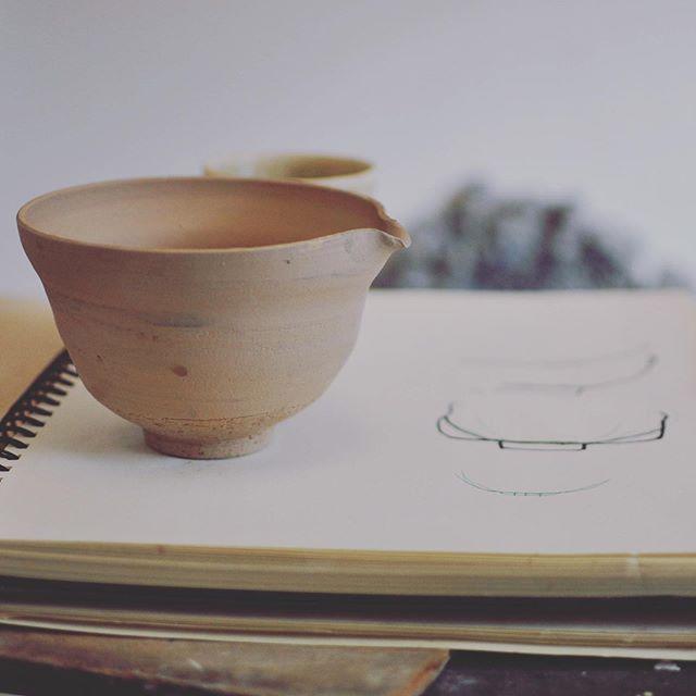 Repost från @foodstock.se ————— Imorgon 31/8 kl och 1/9 kl13-17.30 kommer @rikardpalmquist att finnas där och visa hans keramik och jag servera Hojicha och Matcha te.  På plats kommer du även att ha möjlighet att köpa hem japansk te och special teskål av @rikardpalmquist  Varmt Välkommen😊  #sweden #stockholm #bambuvisp #teskål #tesil #tesked #hojicha #matcha