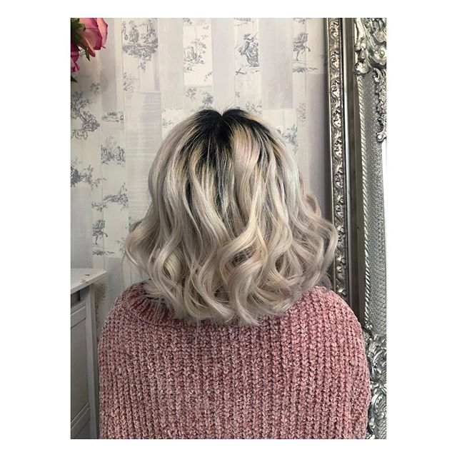 This lovely lady went from hair down to her waist to a thick shoulder length bob 💜 loving the colour and length combo....fresh style and a whole new look- don't be afraid of the chop 💜 #hairdresser #hairdressersmanchester #gayvillage #villagehair #stylist #colourist #manchester #hair #hairdressing #wella #wellacolourtouch
