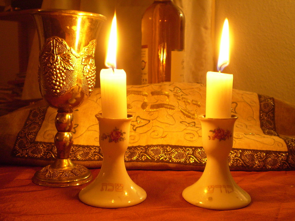 Shabbat_Candles.jpg