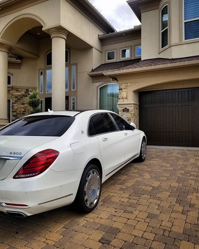 Picking up the beautiful Maybach from the home of one of our customers. Don't forget to book your reservation TODAY online and receive 15% off your rental! #DreamItDriveIt #CarbonAutoGroup #maybach #luxury #home #exotic #car #rental #photography #fun #fast #cars #Houston #thewoodlands #jet #jetlife #motivation #wedding #selfie