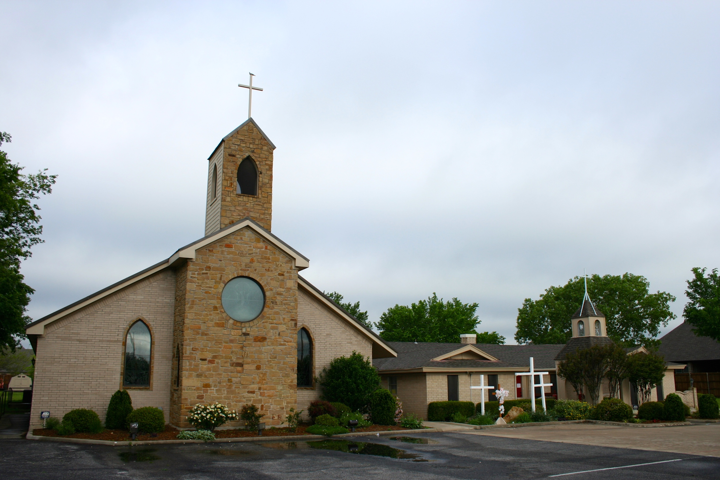 Holy Shepherd Lutheran Church, Haslet, Texas