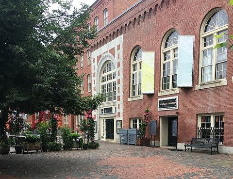 Plaza Theatre Outdoor View