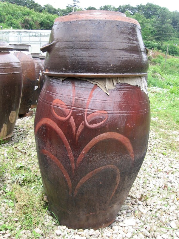 Large Onggi with Decorative Finger Wipes