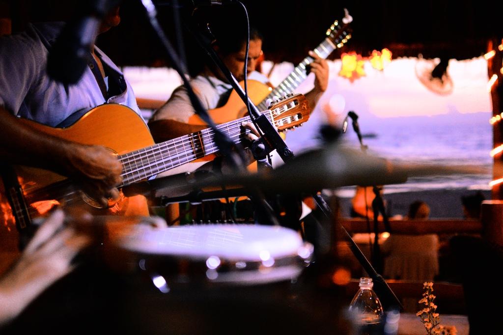 La-Palapa-live-music.jpg