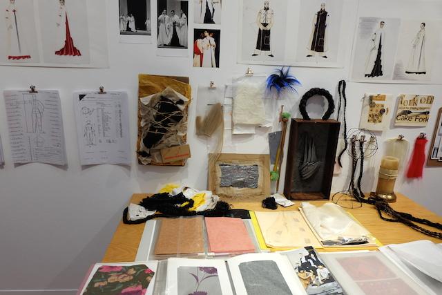 杉野ドレスメーカー女学院卒の彼女は、スクラップや裁縫、リメイクを施し、いろいろなものを創ることが好きだった。