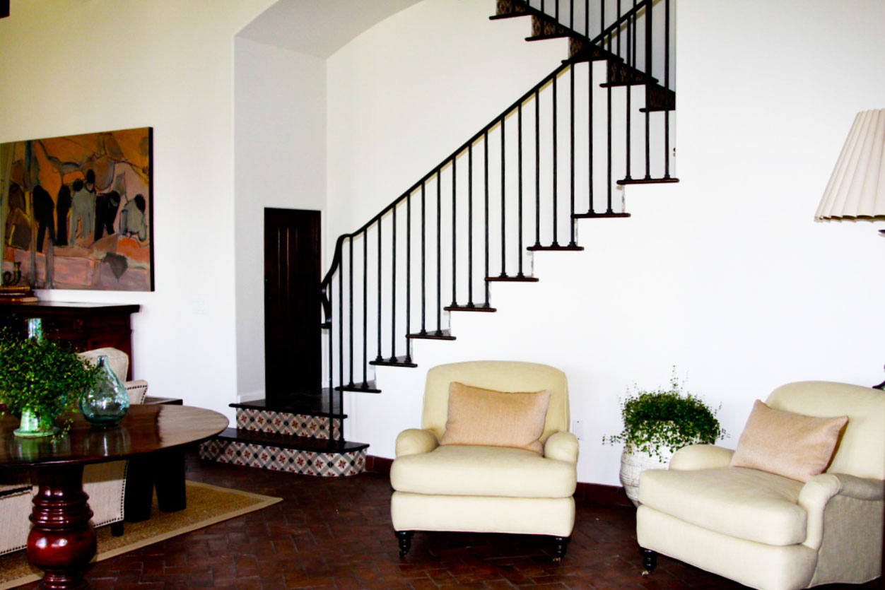 familyroom-stairs_PS.jpg