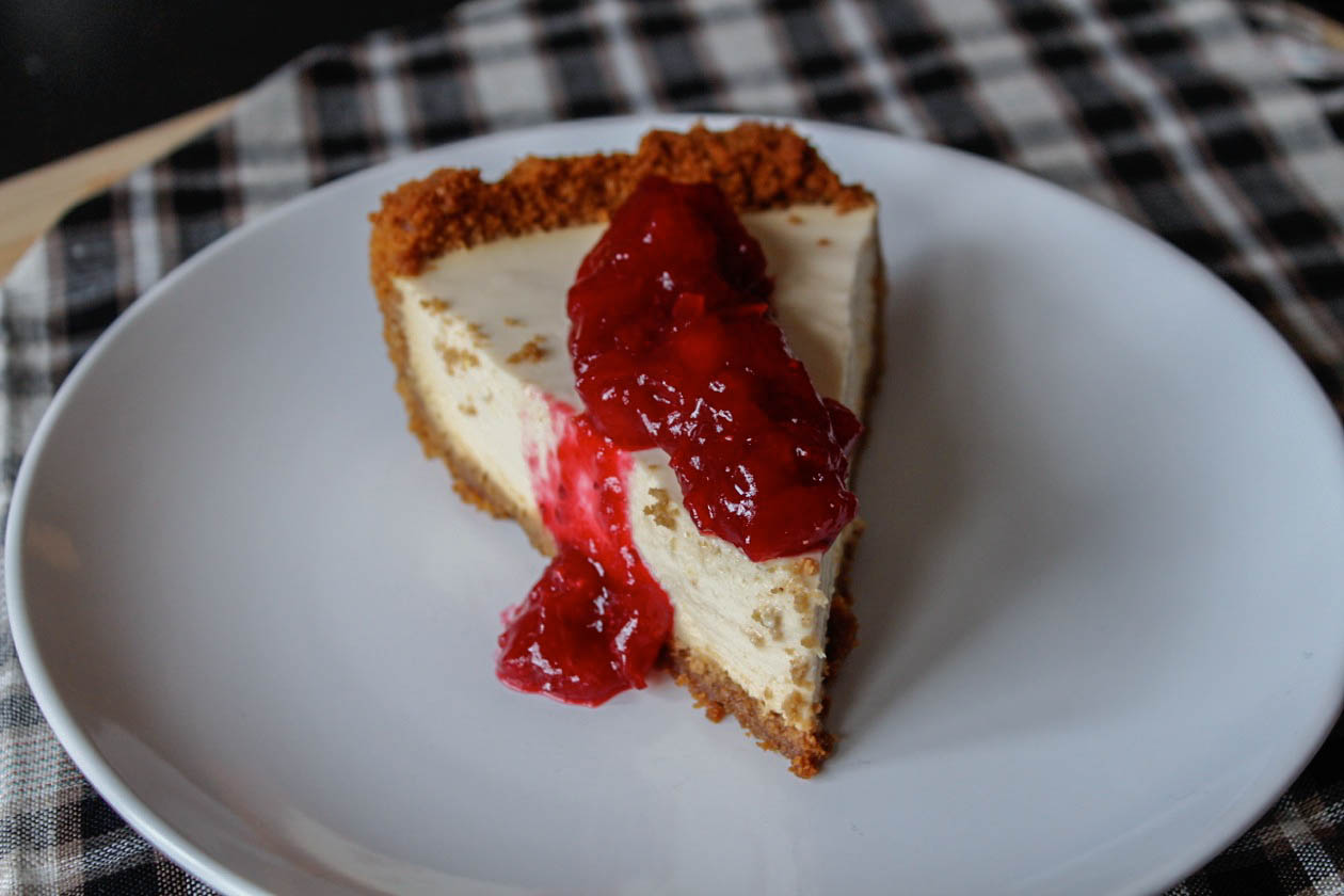 Yogurt Pie with Cranberry Compote