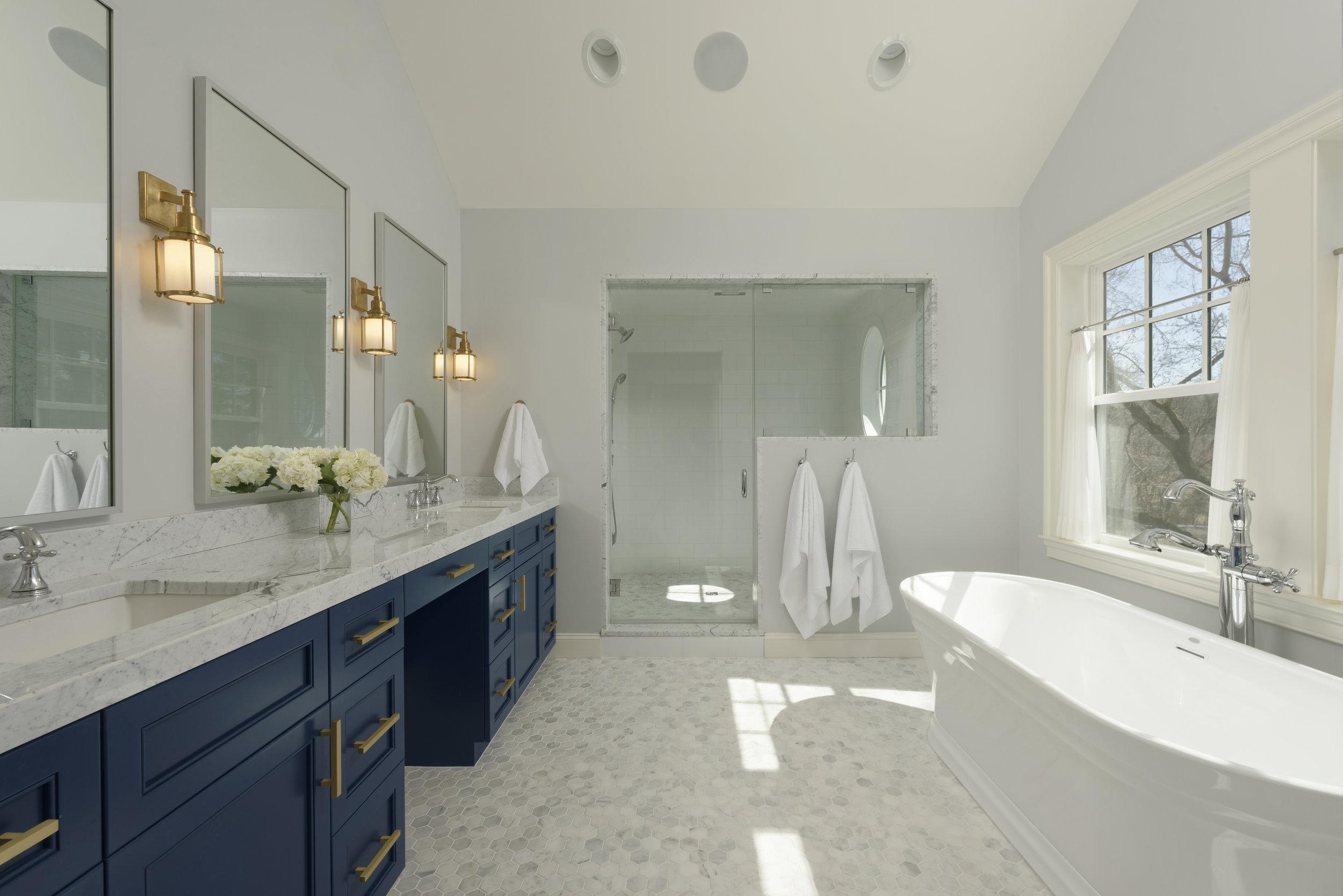 Meltzer High Res-Master Bathroom 2-D19045-5309.jpg