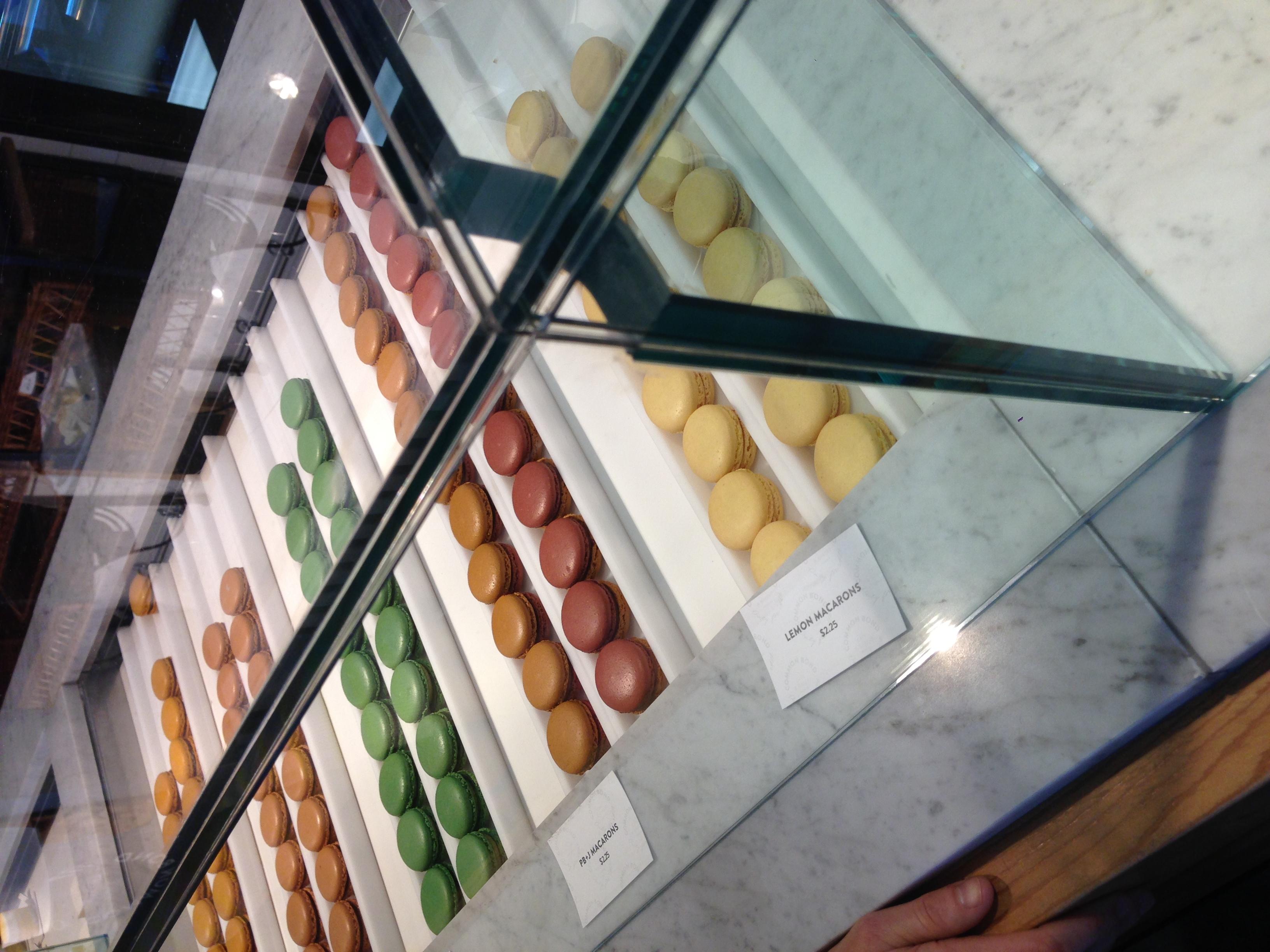 macarons. i love macarons. more than i love a lot of thangs.