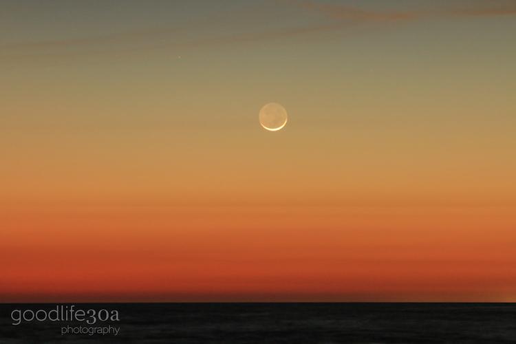 moonrise- western moon set.jpg