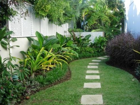 tropical-backyard-landscaping-ideas-qt33gtls.jpg