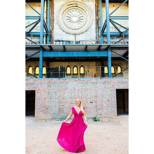 Dance like no one is watching 💞🎶. . . . . . . . . . . . .  #mpbride #maitephotography #theabbey #theabbeychurch #downtownphoenix #Phoenixweddingphotographer #phoenixwedding #weddingideas #phoenixbride #theknot  #exploreaz #weddingwire #theknot #engaged #isaidyes #ido #arizonawedding #arizonabride #engagedaz #weddingplanning #adventurouscouple #exploreaz #adventure #elchorroweddings #engagementphotos #showlowwedding #pinetopwedding #showlowwedding #showlowphotographer #scottsdalewedding #scottsdaleweddingphotographer