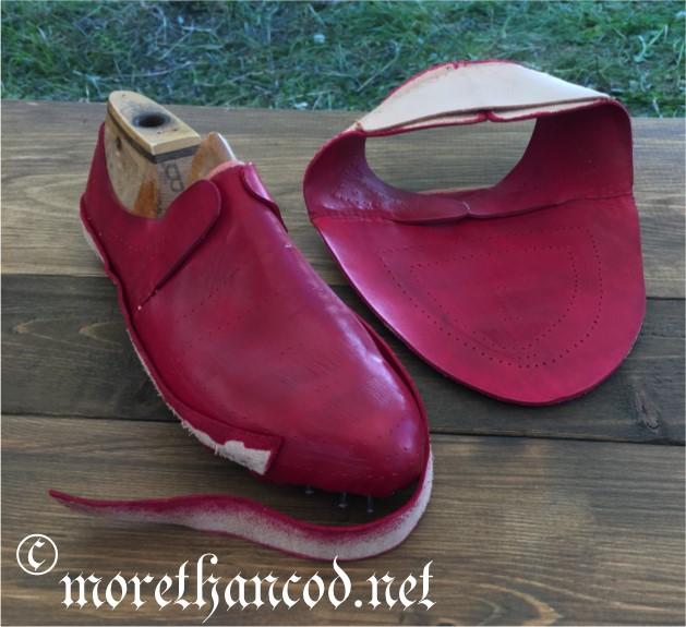 Da red shoes