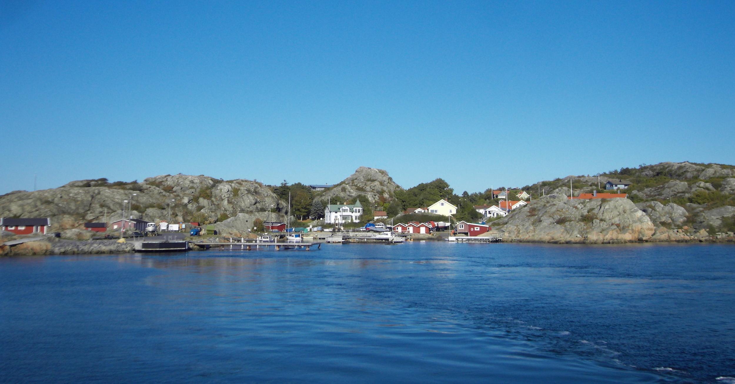 Approaching Styrsö by ferry.