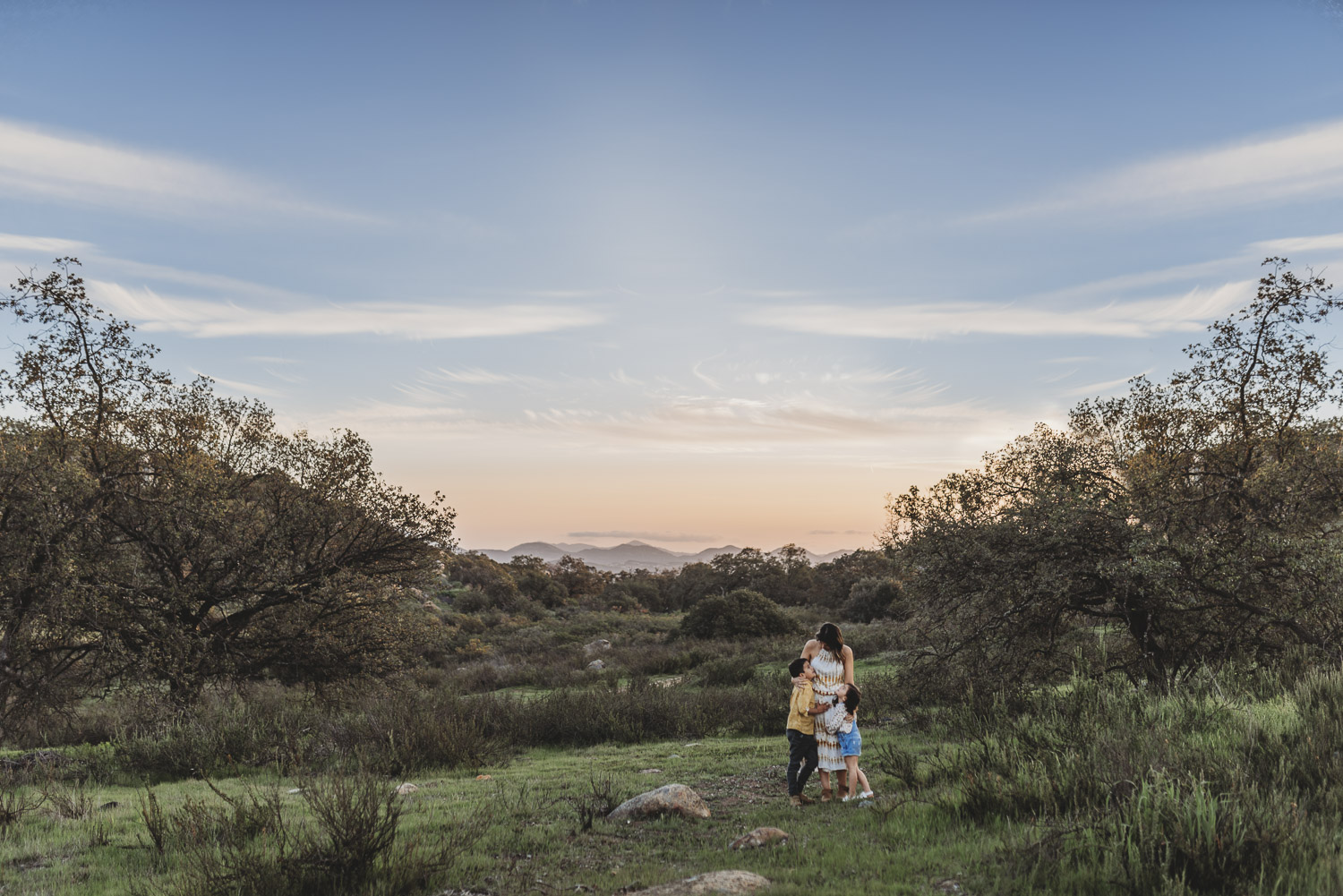 sandiego_family_photography_beach_lifestyle_natural_emotive-7.jpg