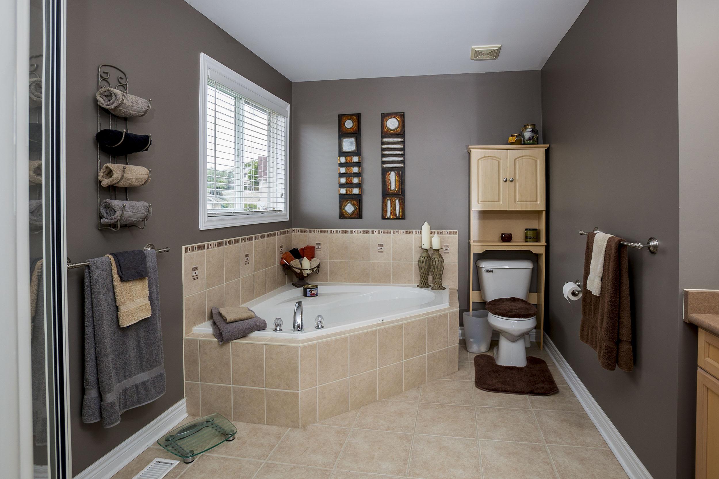 A WELL PUT TOGETHER BATHROOM
