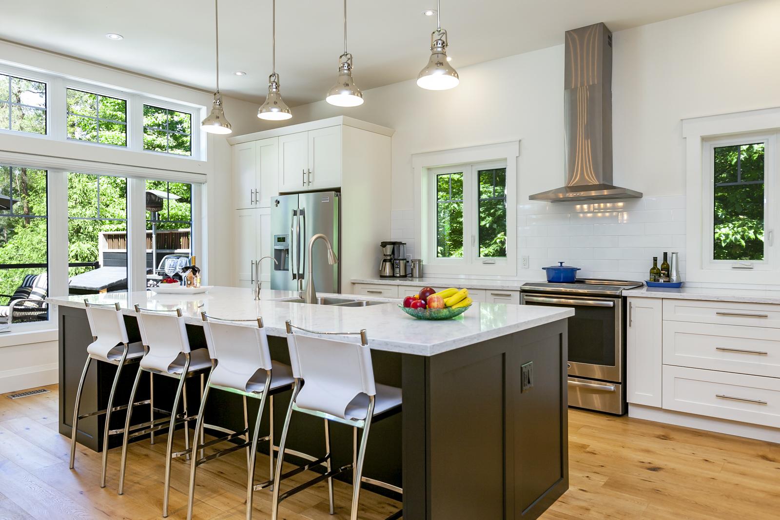 Bright, refreshing Kitchen Photos