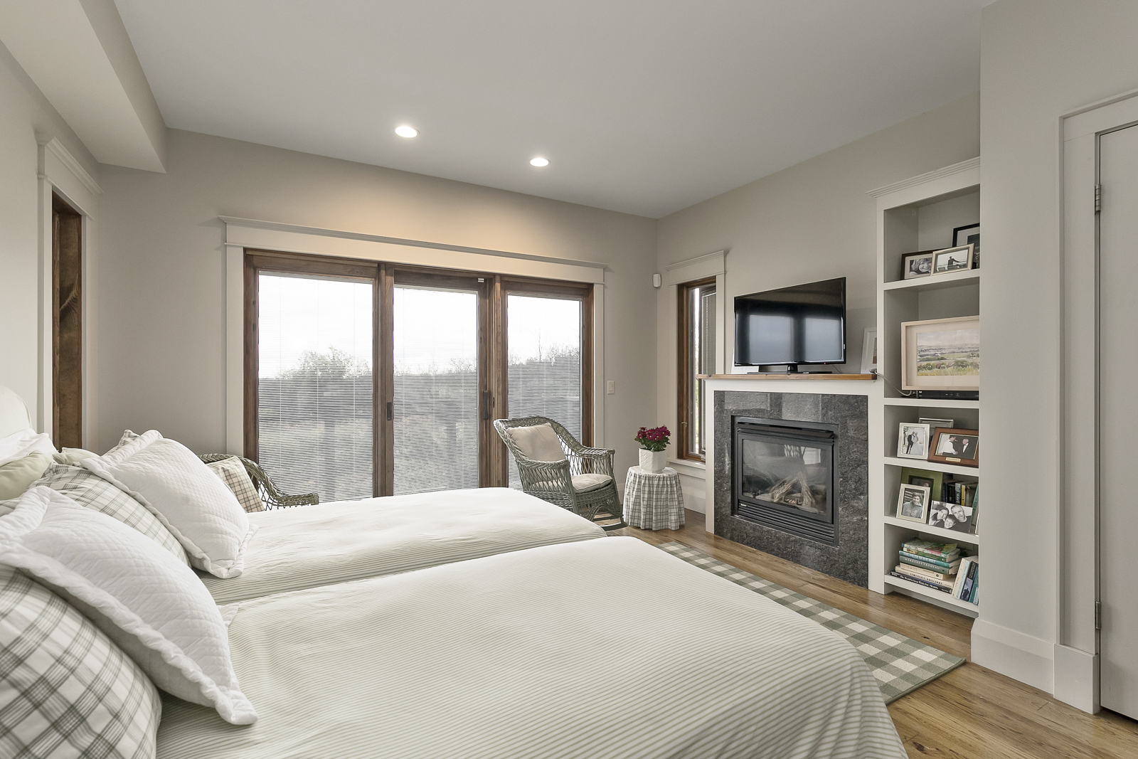 30-Oslerview-Drive_Interiors_Web-22.jpg