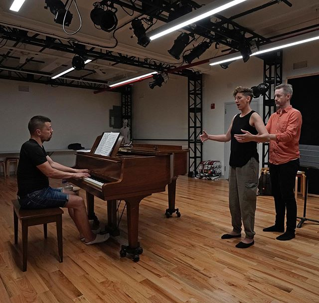 Calling all singers going into audition season! Every Tuesday night 6-7:30 at the Balance Arts Center in midtown manhattan, I'm teaching an ATsinging class where you pay only $20 for two classes = two chances to sing your arias with piano, in front of a couple cool people, while getting some helpful Alexander Technique tips to feel easier, freer, and rock your next audition. Come join us! Link in bio. #atsinging #alexandertechnique #singingtechnique #auditionseason #auditionseason2019 #balanceartscenter #vocaltechnique #belcanto #artsong