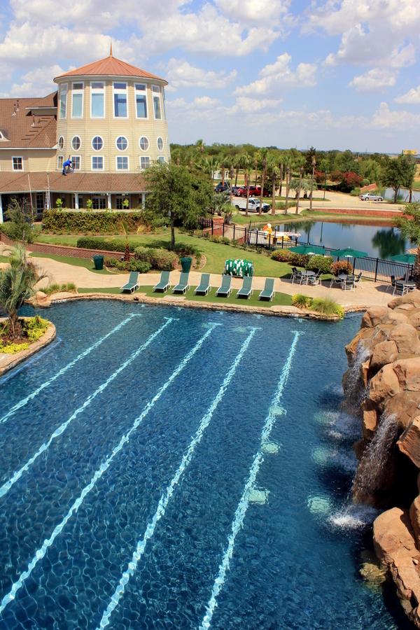 Savannah pool & clubhouse.jpg