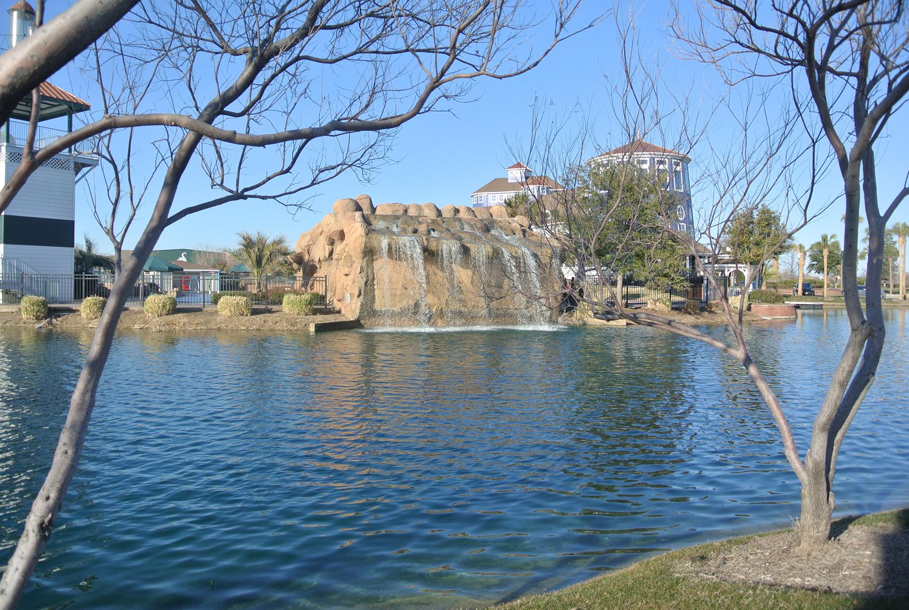 Lagoon Waterfall 2.jpg