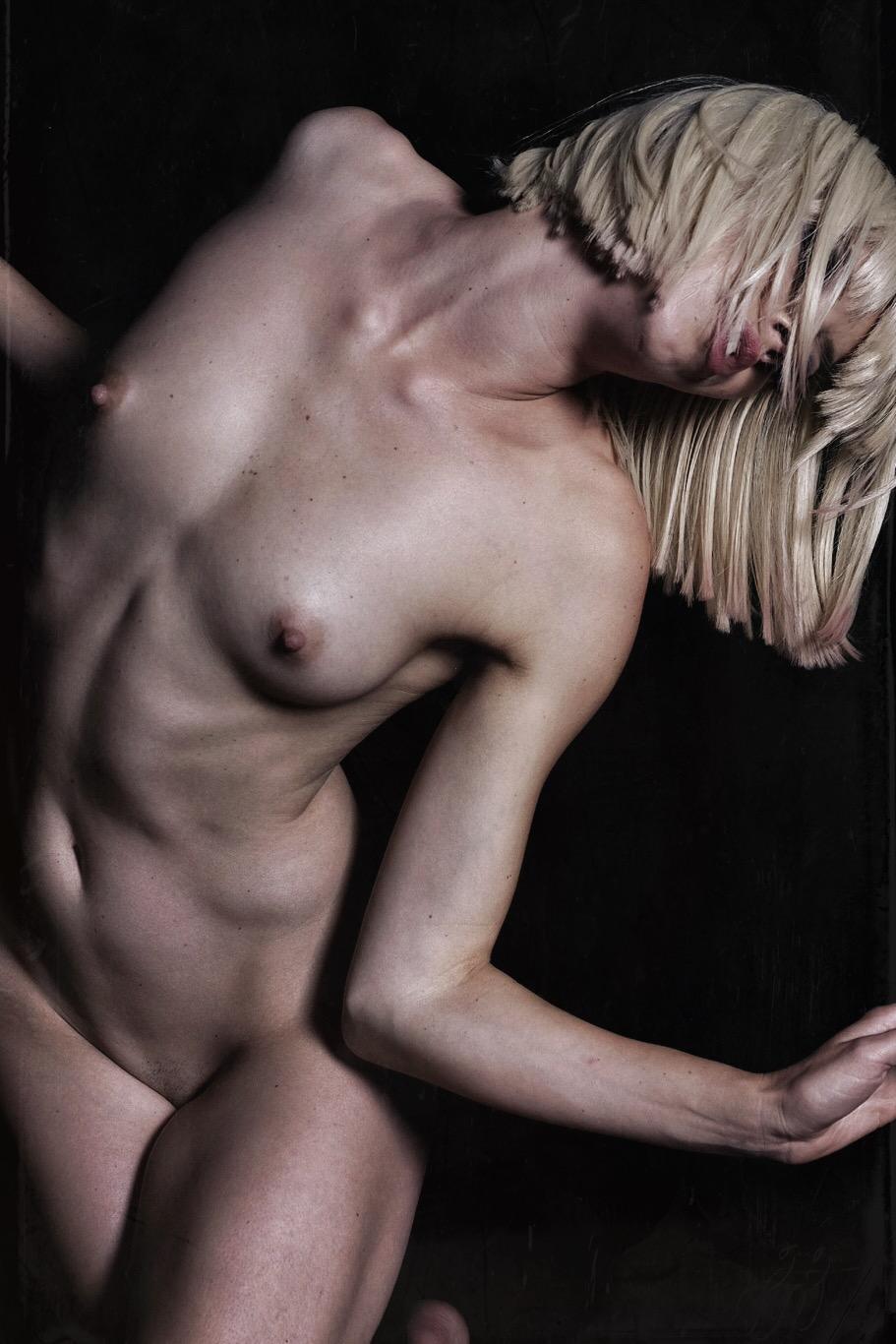 Nude_999.jpeg