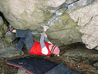 Sandy Meideros on the start of the Pond Cave Traverse. Photograph by Joe McLoughlin.