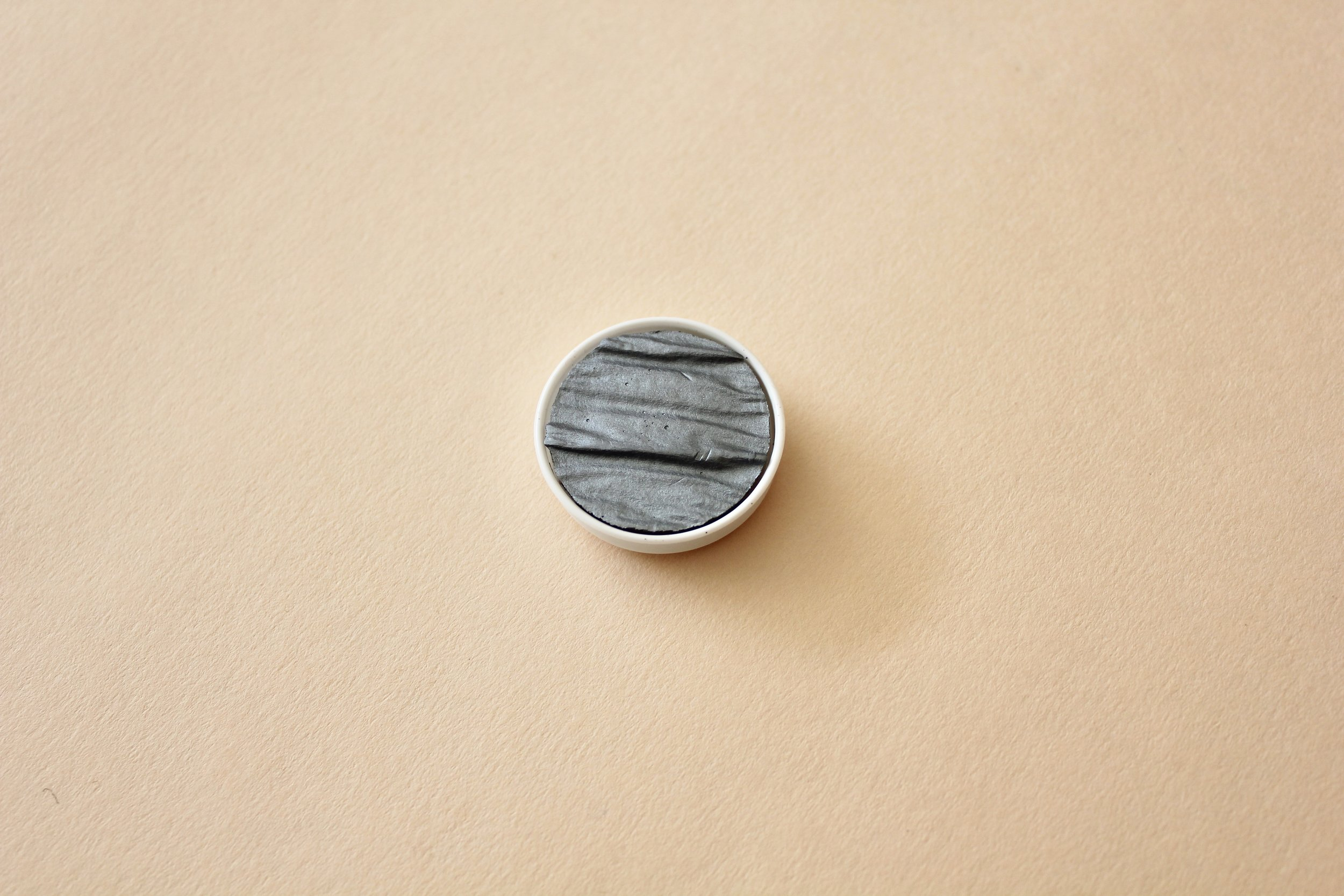 LR00115 Coliro Silver Grey 30mm ($8)