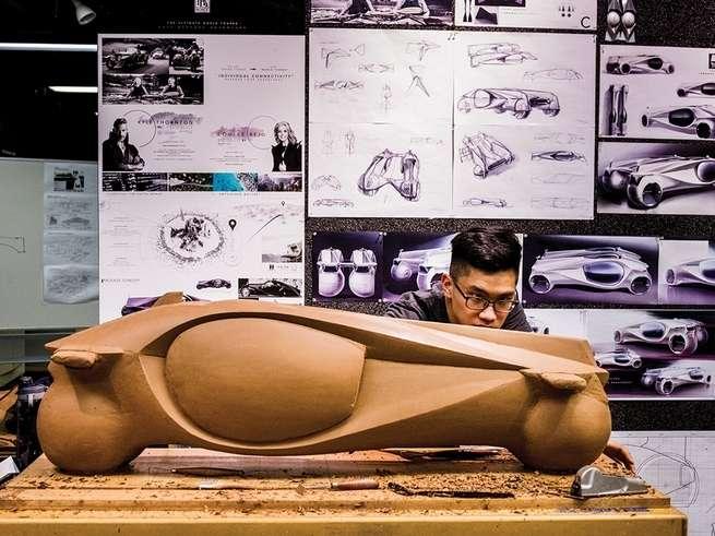 clay-modelling-motorcycle-design.jpg