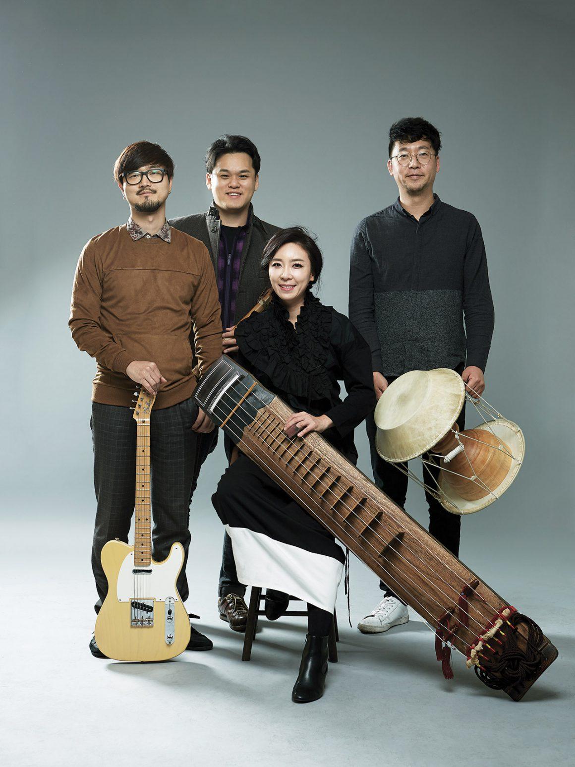 Black String, traditional Korean & jazz music ensemble