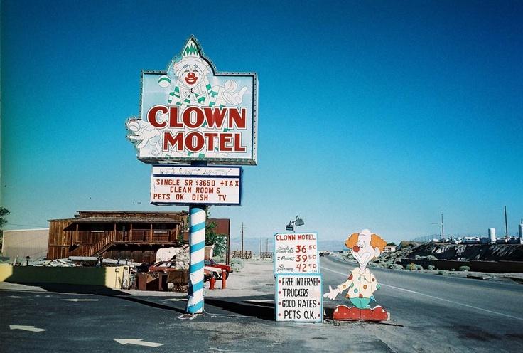 clownmotel-poler.jpg