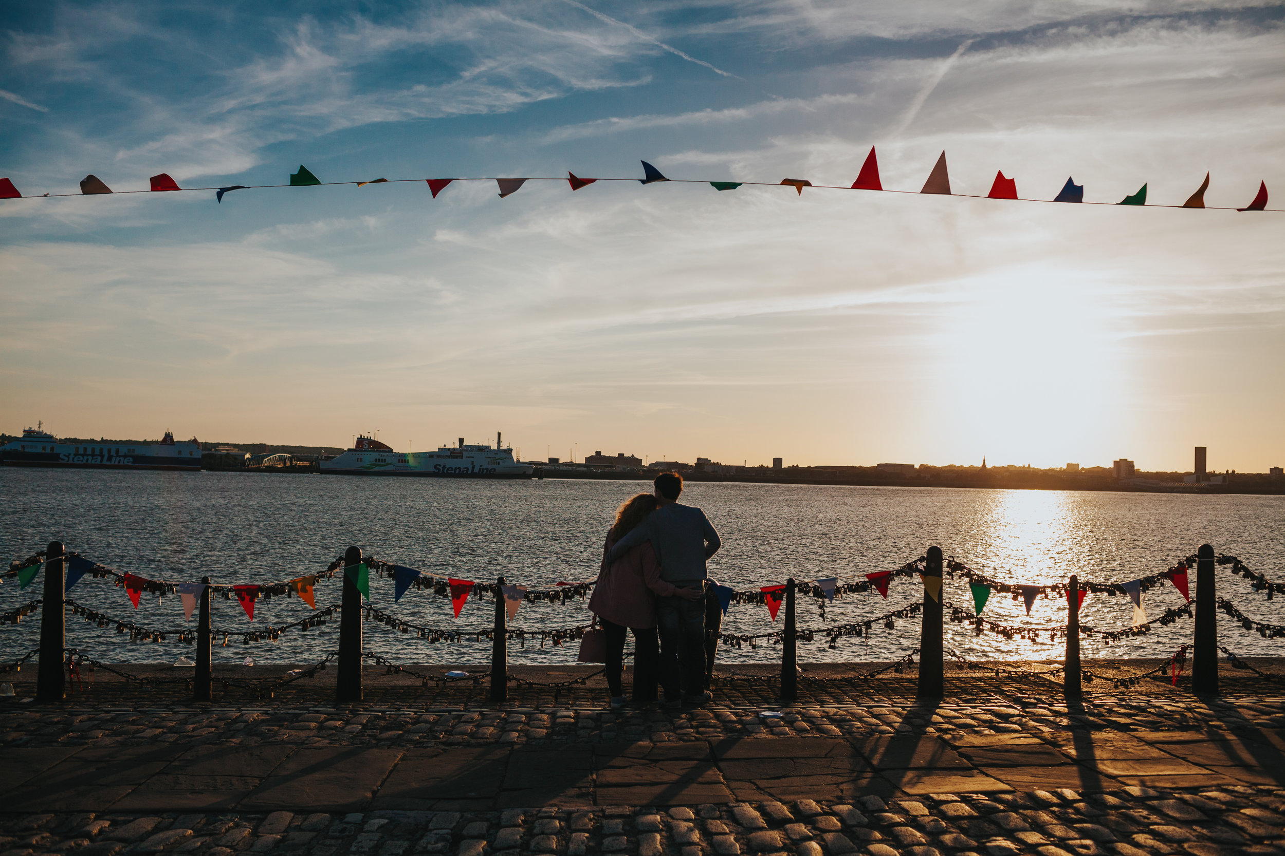 One sea front couple