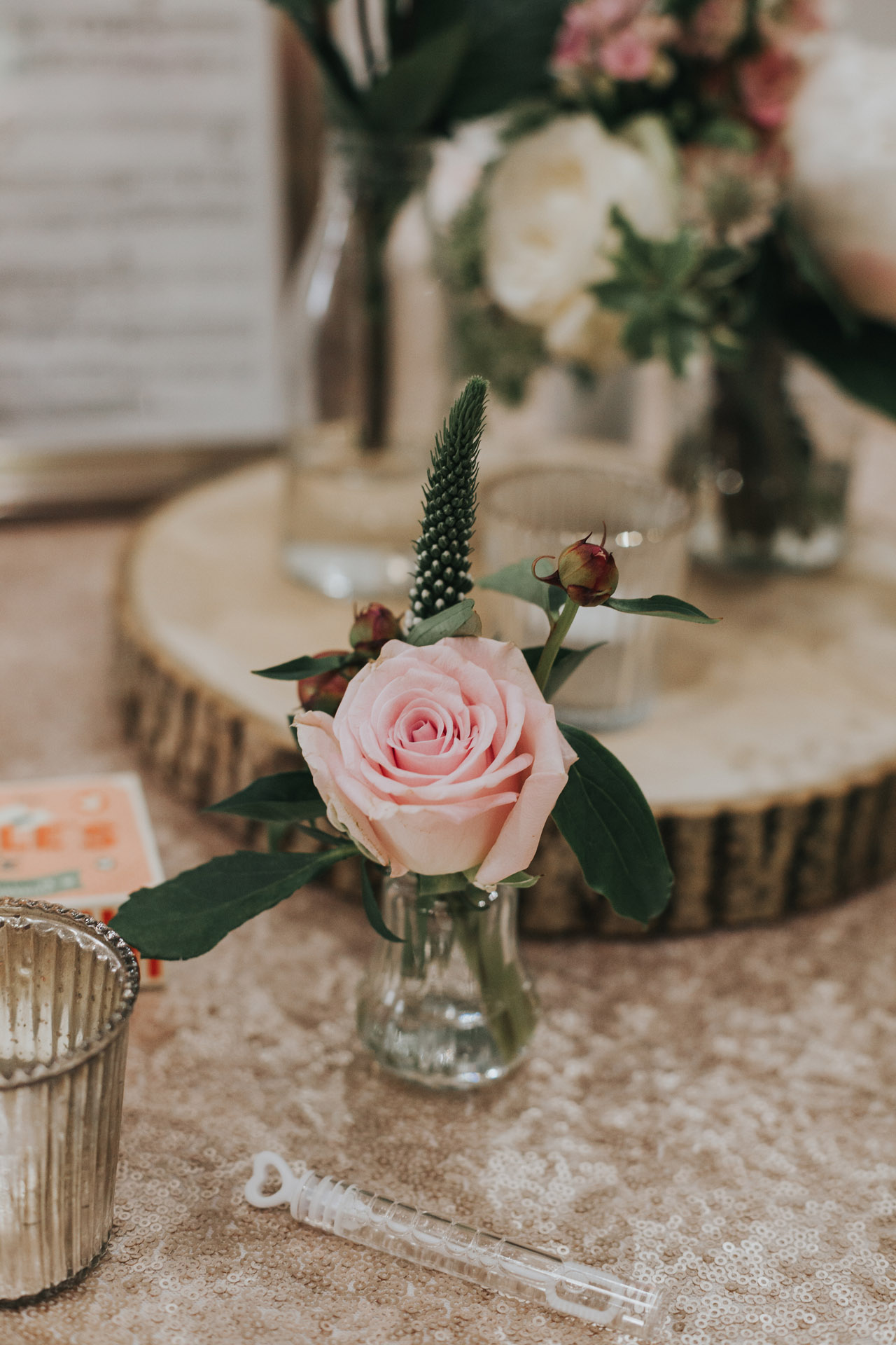 Flower table decorations.