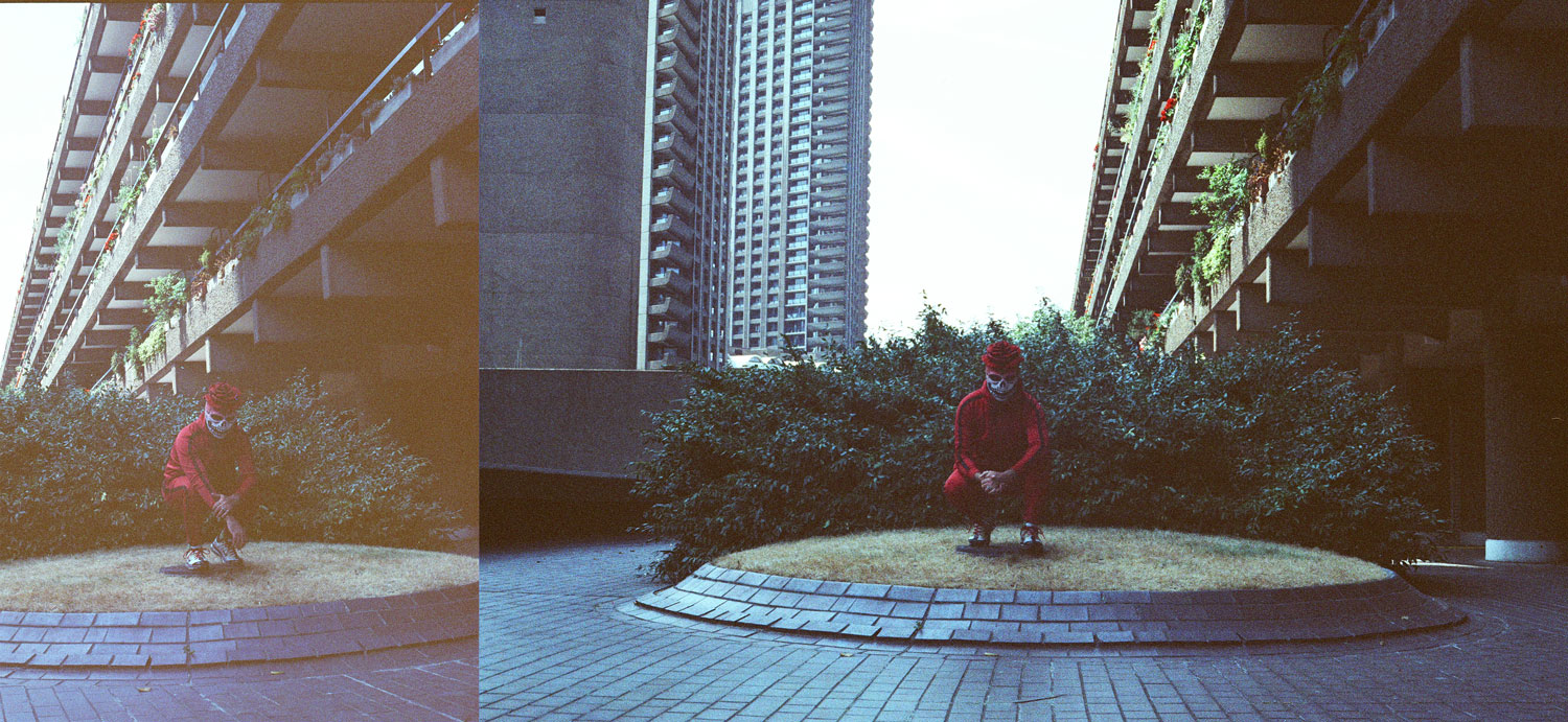 The Red Raven , photos by Alo Murillo