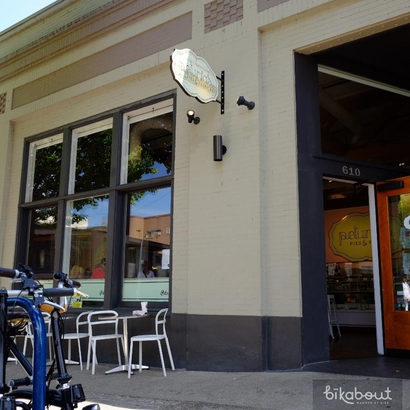 Bikabout-Portland-Petunias.JPG